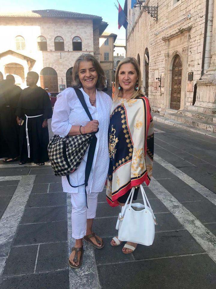 """Assisi, Piazza del Comune, 6 Agosto 2018 - Assisi Suono Sacro """"Per Hiroshima"""" Concerto Peregrinandi con Francesca Ceccomori"""