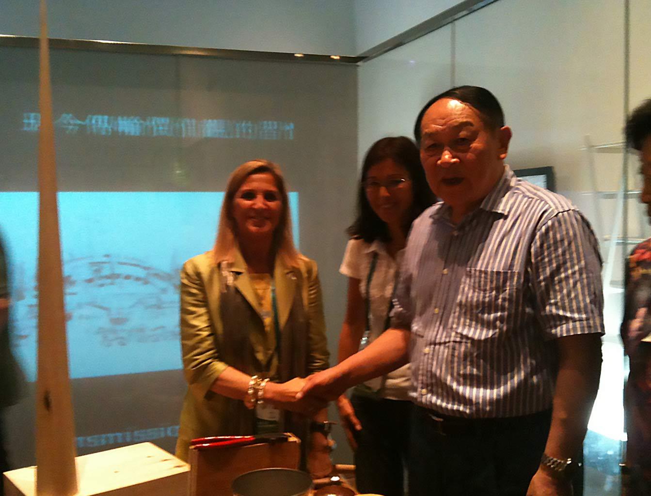 Expo Universale di Shanghai, Pinocchioworld, luglio 2010 – il Ministro della Difesa della Cina nel laboratorio di Pinocchio