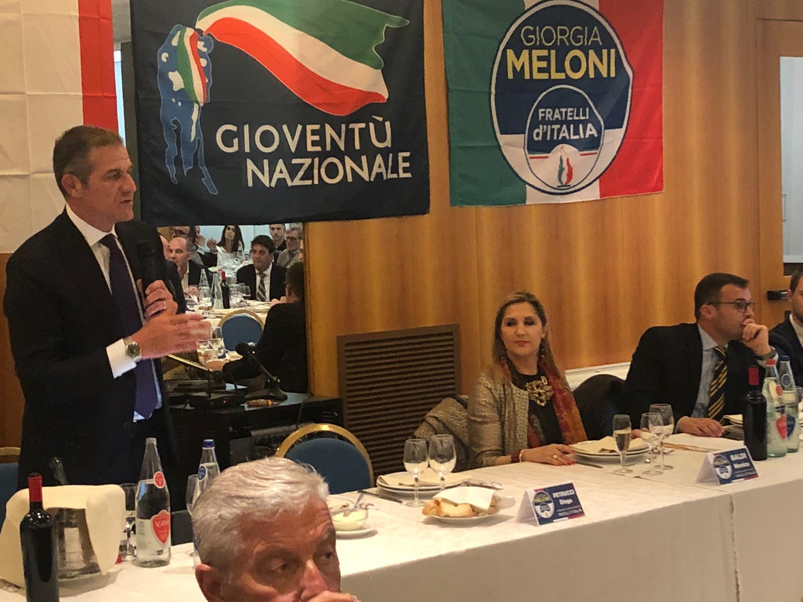 Alla cena provinciale di Fratelli d'Italia ad Arezzo con Emiliano Bartolozzi e Michela Senesi