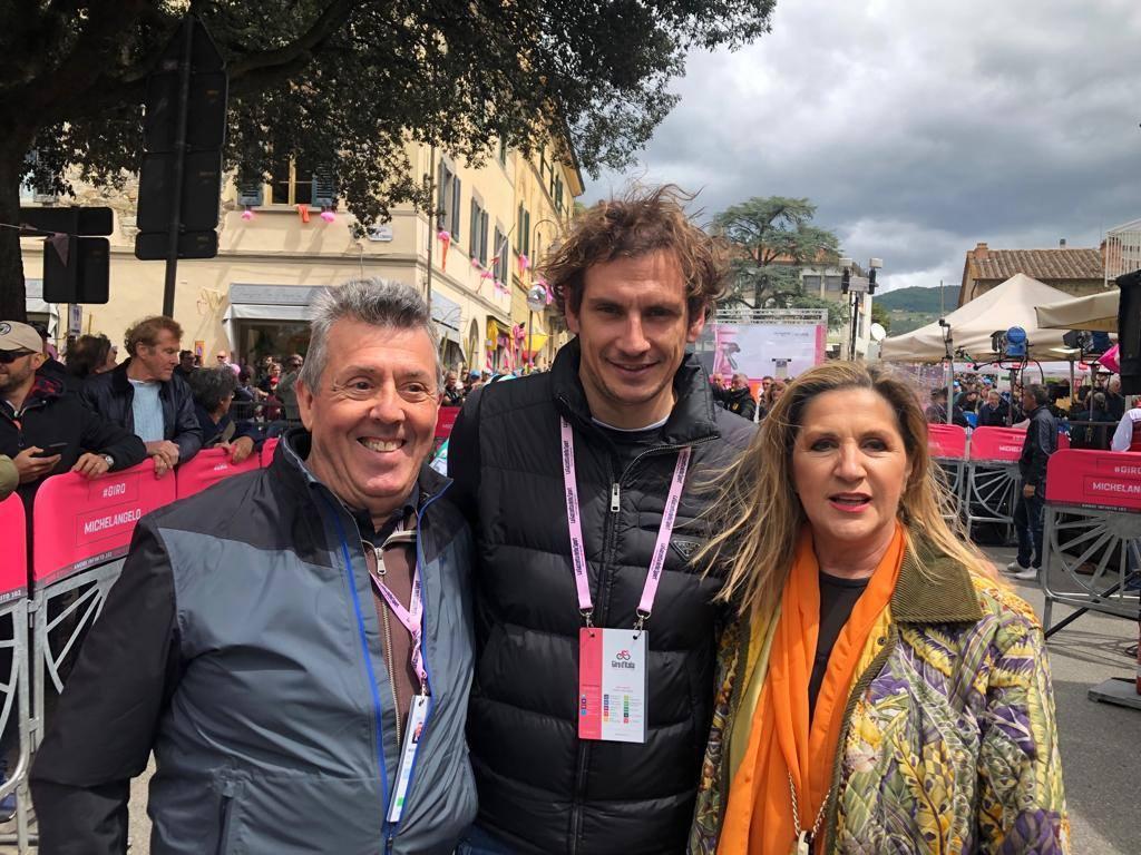 Alla partenza della terza tappa del Giro d'Italia 2019 a Vinci