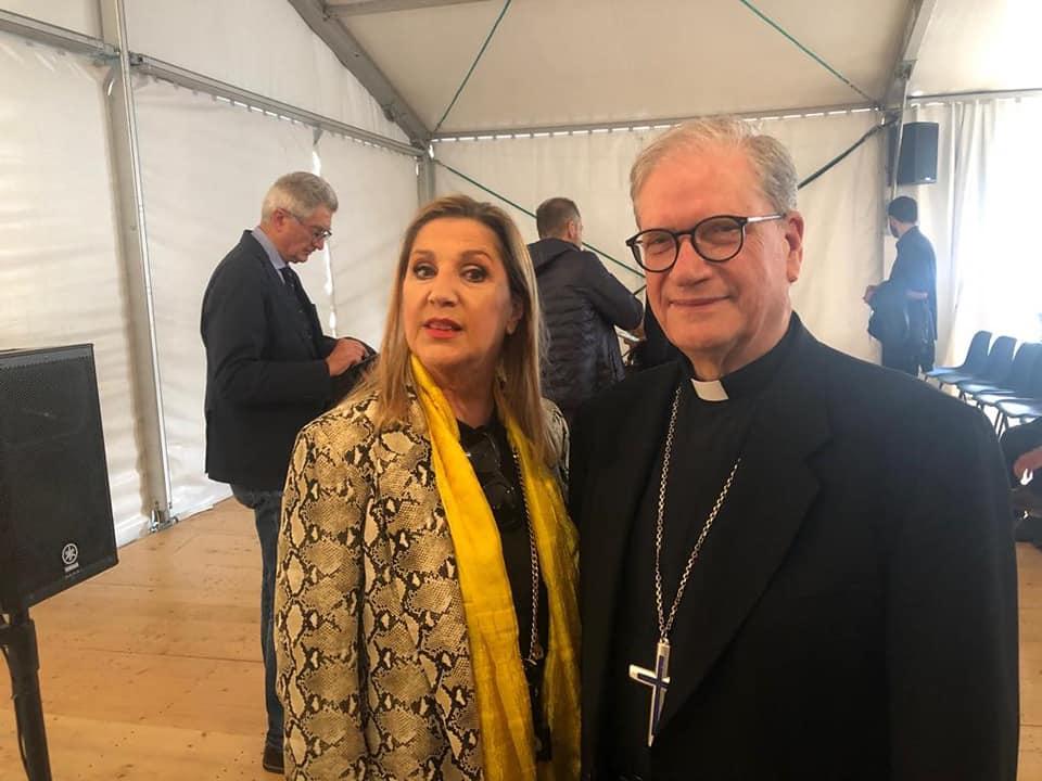 Ultima giorno di campagna elettorale a Pistoia partecipando ai Dialoghi sull'Uomo con il vescovo Fausto Tardelli